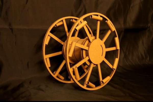 有片》二戰奇門兵器重現江湖!日神人用「任天堂玩具」完美複製能跑能轉的神祕火箭車