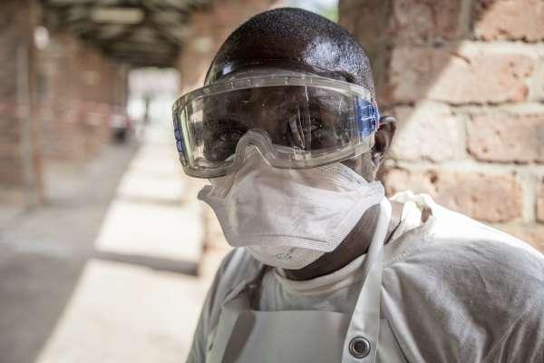 萬人喪命的慘痛教訓》伊波拉病毒重出江湖,這次WHO能防堵疫情蔓延嗎?