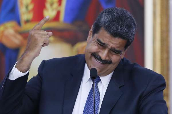 窮得只剩下石油》委內瑞拉擁有一手好牌,為何經濟輸得一敗塗地?又為何換不了總統?