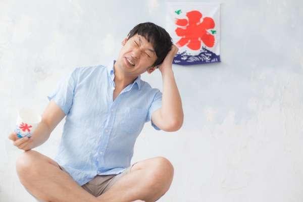 夏天狂吹冷氣、灌冰飲,小心「冷氣病」頭痛欲裂!醫師提醒:貪涼前先注意這4件事…