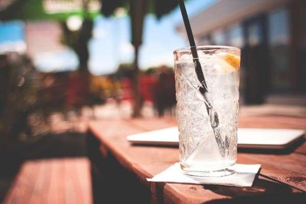 夏天喝冰水真有助減重嗎?別再亂傳了!中醫師:小心身材變水梨,還有這些可怕後果…
