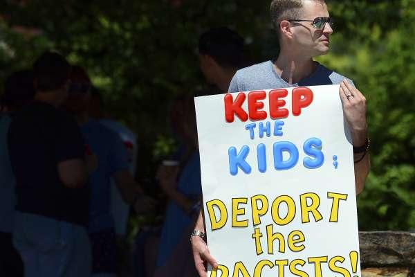 4千多位心理學家聯名反對川普苛政!美國管制移民迫使骨肉分離,「這讓孩子產生嚴重的心靈創傷」