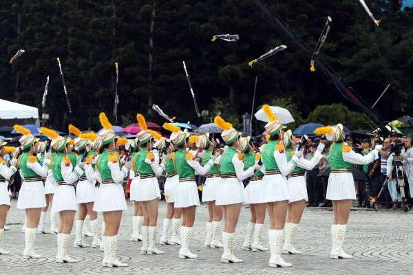 全國儀隊賽冒雨登場 北一女首度參賽就奪冠