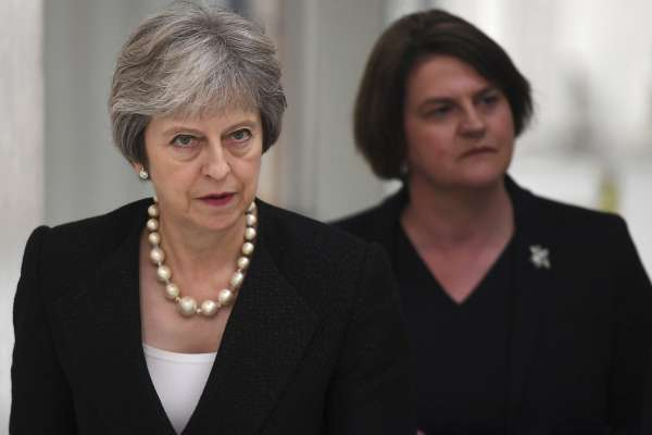 脫歐讓英國變成「一國兩制」?英相梅伊強硬重申脫歐立場:北愛爾蘭不可能留在歐盟關稅區