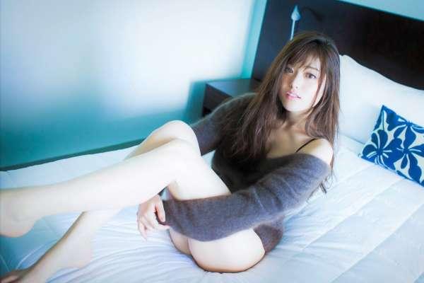 腿粗不敢穿短裙、短褲?中醫師公開3個「神奇穴位」,每天拍打50下、大腿神速變緊實