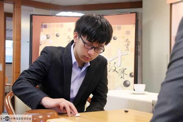 新十段・誕生!17歲天才棋士許皓鋐晉升台灣職棋四冠王