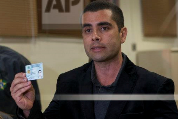 巴西「屁屁名醫」在家替女病患豐臀害命,逃亡被捕後喊冤:「我是無辜的!」