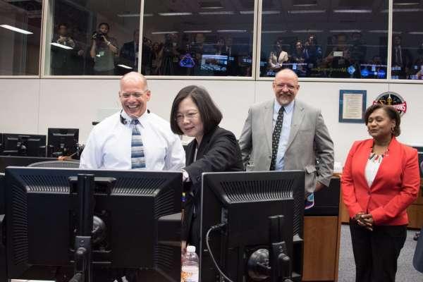 NASA詹森太空中心飛行主任藍福如:非常榮幸能夠接待台灣總統蔡英文