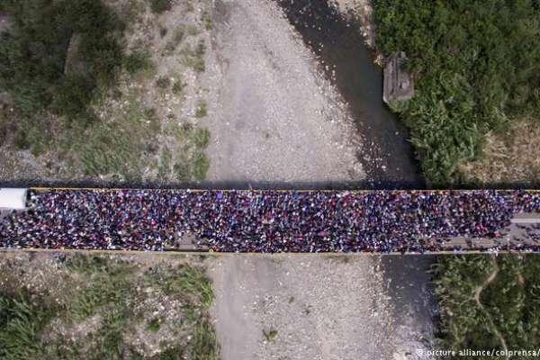 逃離委內瑞拉!數百萬經濟難民的危險旅程,南美各國嚴陣以待
