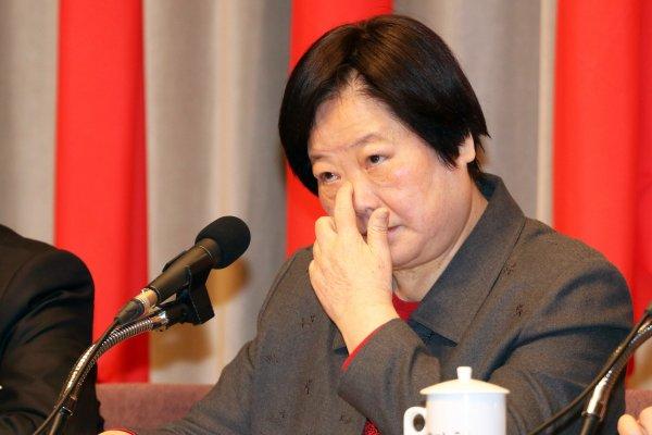 「鼻涕流不停」林美珠拒絕評論勞保年金樓地板