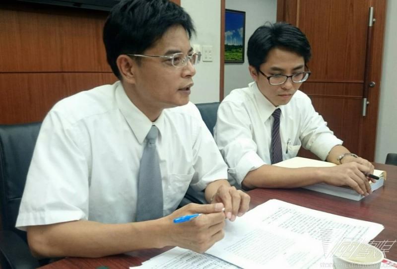 台塑14日下午召開記者會,否認六輕釋出有毒物質傷害學童。(林彥呈攝)