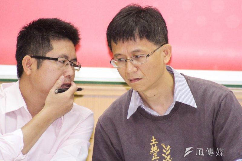 綠黨社會民主黨聯盟不分區立委候選人李根政(左)、詹順貴(右)。(資料照,曾原信攝)