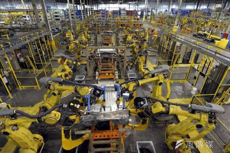 機器人未來可能引發大量勞工失業。 (取自騰訊科技網)