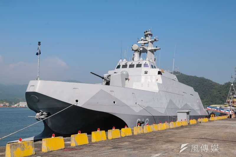 「沱江艦」是首艘國人自製雙船體設計的匿蹤飛彈巡邏艦。(顏麟宇攝)