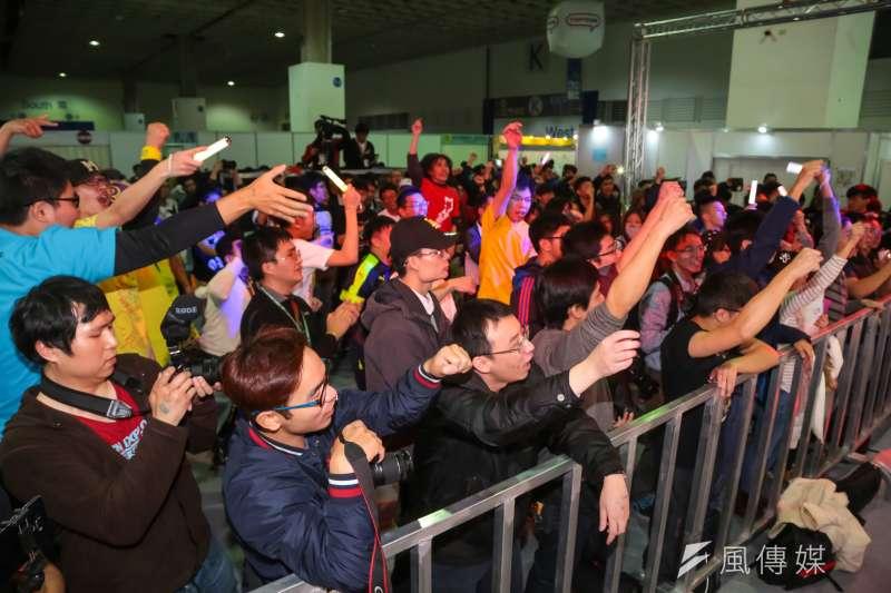 20170203-台北國際動漫節已於南港展覽館登場,日本館更邀請日本偶像歌手柊木RIO於現場演唱,現場動漫迷幾近瘋狂。(顏麟宇攝)