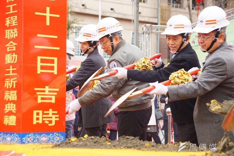 台北市長柯文哲12日上午出席捷運萬大線開工動土典禮。(盧逸峰攝)