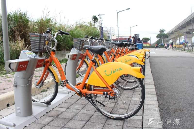 桃園機場捷運月初正式通車,Youbike也在捷運站外設立站點,不過卻有3個站點,鄰近區域沒有其他Youbike站點。(方炳超攝)