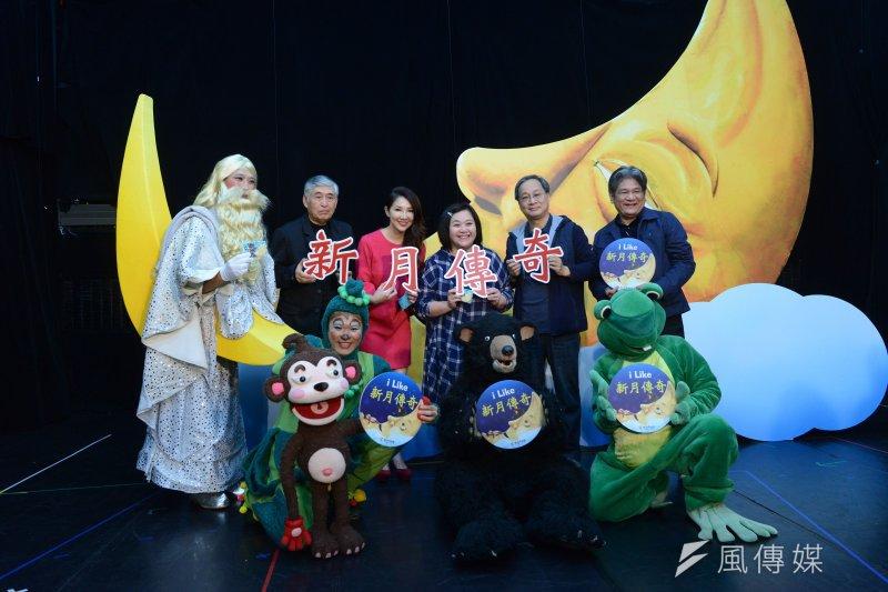 今年紙風車劇團將把2012年巡迴各地、演出36場的《新月傳奇》重新搬上舞台,盼重新建立人與動物之間的愛與互信。(圖取自紙風車劇團)