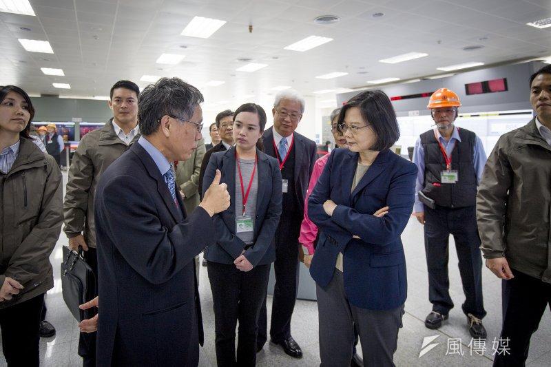2017-03-27-總統蔡英文訪視台電林口電廠02-總統府提供