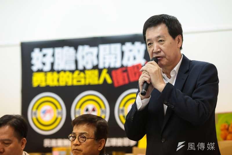 20170406-國民黨立委費鴻泰6日出席「好膽你開放,勇敢台灣人衝呀!」記者會。(顏麟宇攝)