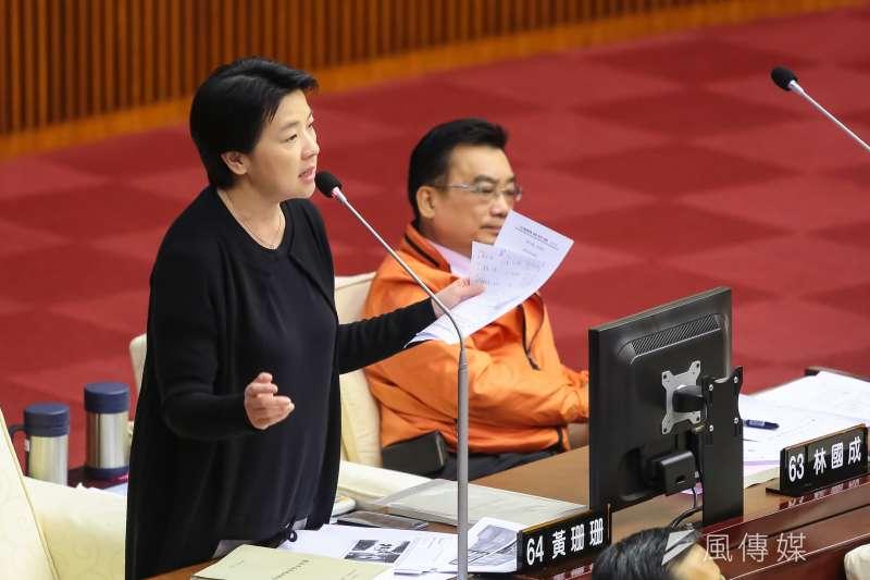 201704012-台北市議員黃珊珊12日於市議會質詢。(顏麟宇攝)
