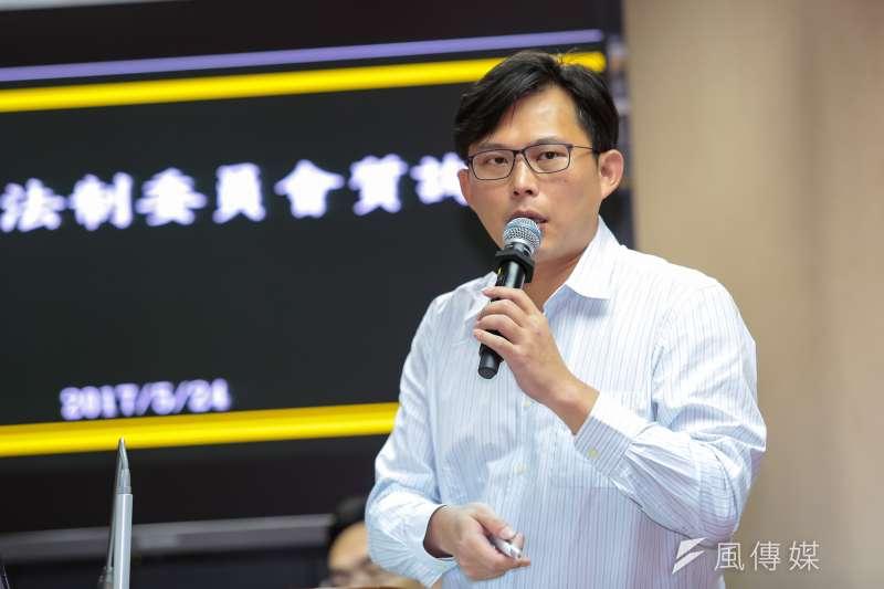 20170524-時代力量立委黃國昌24日於司法法制委員會質詢。(顏麟宇攝)