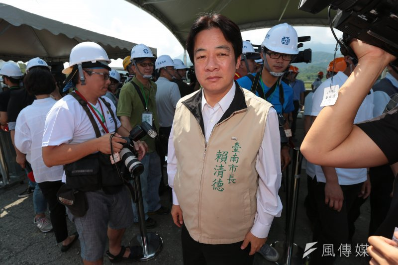 20170609-台南市長賴清德 9日至白河水庫壩頂視察「白河水庫改善計劃」。(顏麟宇攝)