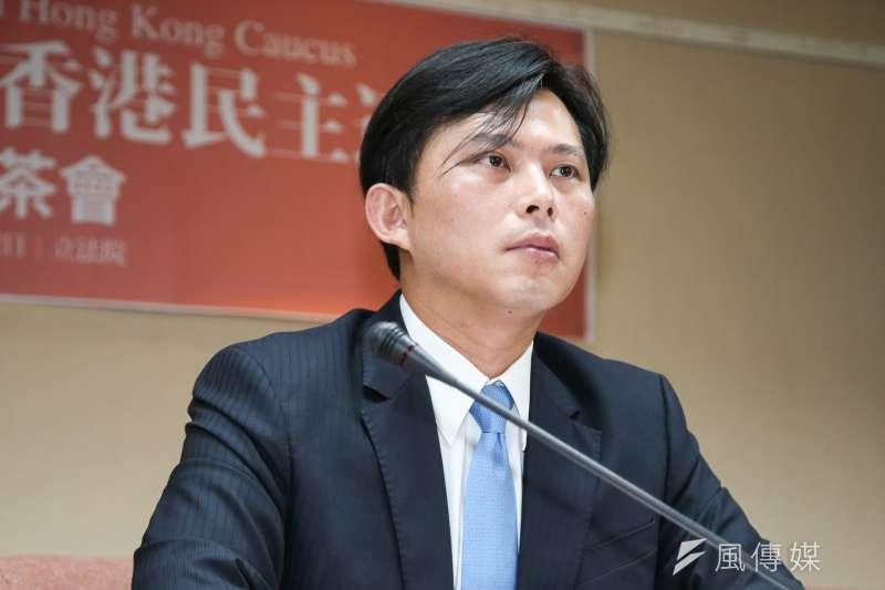 時代力量黃國昌19日表示,葉望輝的「台灣共和國」說可參考,重要的是,在《公民投票法》部分條文修正案須盡快三讀,再啟動由下而上的全面憲政改革。(資料照,陳明仁攝)