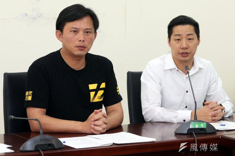 時代力量上午召開黨團會議會後記者會。圖為時代力量委員黃國昌(左)、林昶佐(右)。(蘇仲泓攝)