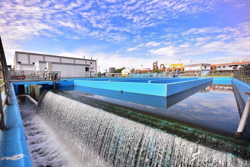 作者說,前瞻計畫編列35億元就可每天可有9.4萬噸的供水量,只要缺水20天,這筆錢就能回收,又能讓我國再生水產業有練兵機會,以待進軍新南向市場。(資料照,行政院提供)