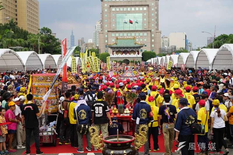 2017-07-23--「史上最大科,眾神上凱道」遊行,上百轎班於凱道繞境04-盧逸峰攝