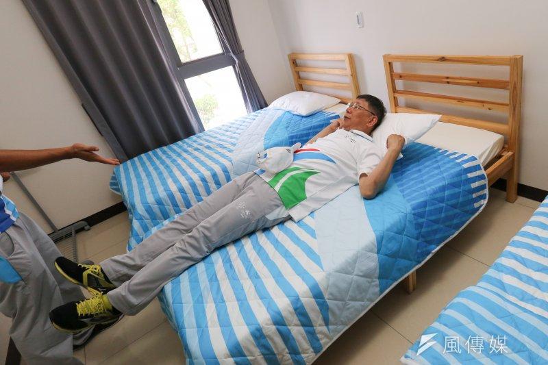 台北市長柯文哲本週一和本土大台三立電視台「海董」董事長林崑海的飯局,卻是費了一番波折,才終於見到。(顏麟宇攝)