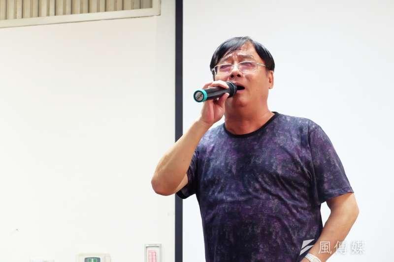 黃文擇9月2日於台中「百師入學」系列講座現場演說並當場表演配音,讓現場觀眾歡呼尖叫連連。(謝孟穎攝)