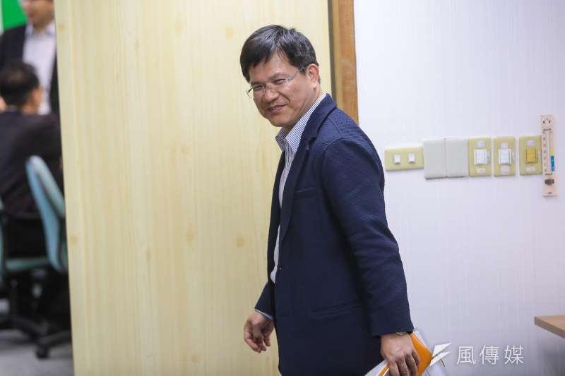 20171108-台中市長林佳龍8日出席民進黨中常會。(顏麟宇攝)