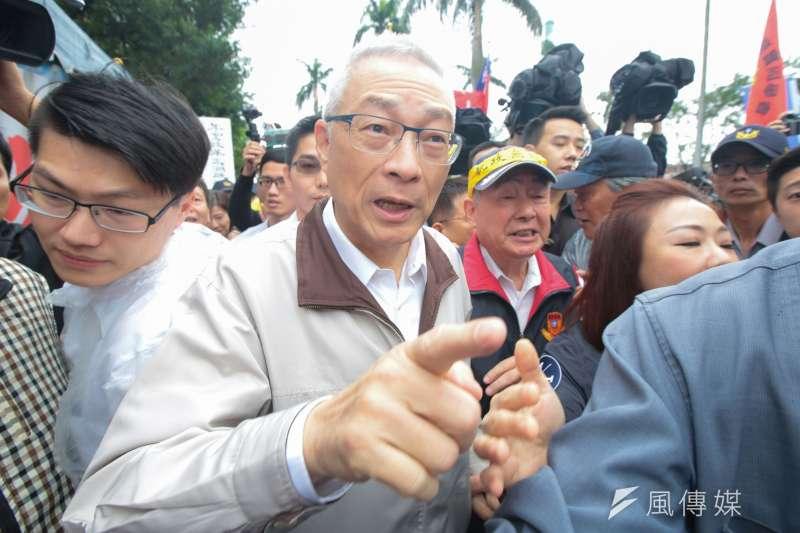 20171114-國民黨主席吳敦義聲援八百壯士年金改革抗爭行動。(顏麟宇攝)