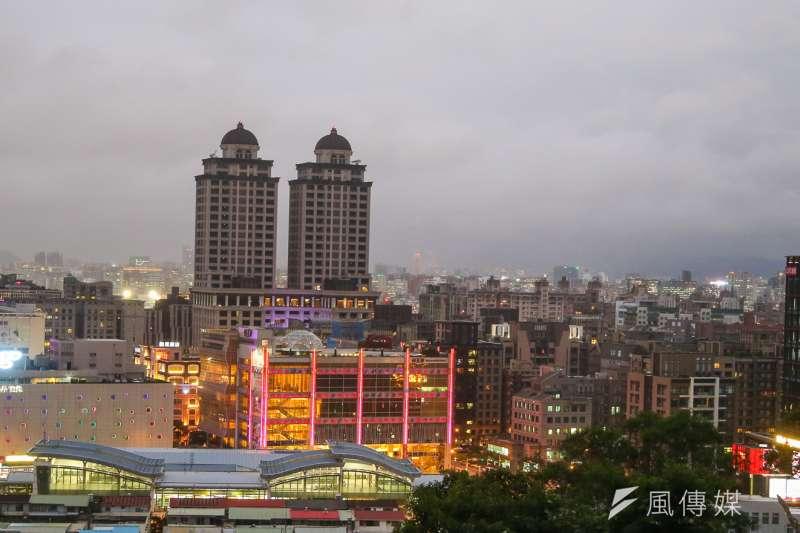 台北市府至今已對市民提告46案,財政局身為主管機關,身先士卒提告37件最多,累計民眾欠繳金額高達4685萬元。(資料照,陳明仁攝)