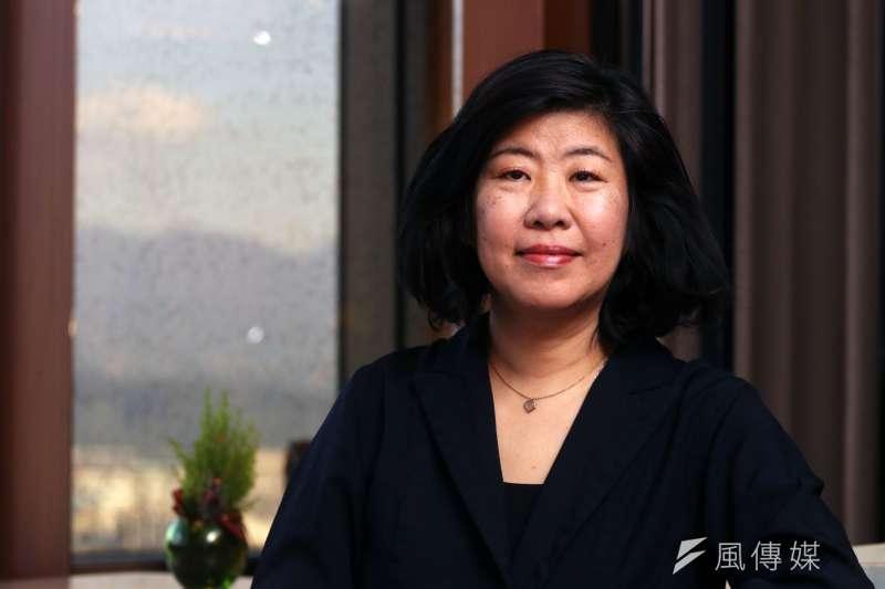 睽違4年,日本當代文學經典《廚房》作者吉本芭娜娜再度訪台,暢談小說創作與當今年輕世代的困境。(蘇仲泓攝)