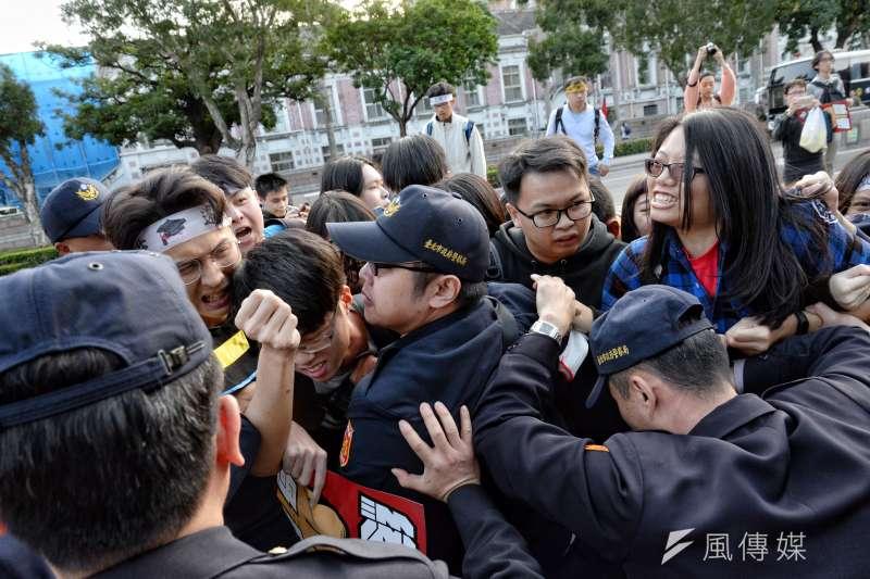 20171223-勞團抗議勞基法休法、一例一休、輪班間隔。(甘岱民攝)