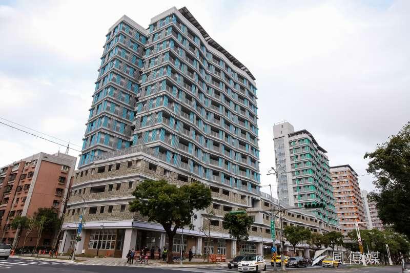 居民以歧視理由反對公宅,不能亦不該被接受。圖為台北市健康公宅外觀。(資料照片,顏麟宇攝)