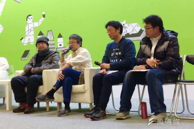 海穹文化7日舉辦「台灣類型文學母語讀音資料庫」成果發表會,(左起)客語組代表賴修淯、台語組代表駱英毅、台語組代表詹子藝、大同大學通識中心助理高皓庭。(吳尚軒攝)