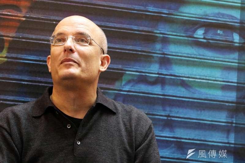以色列美食作家霍華夫與同志伴侶有1名女兒,一家三口生活和樂。(蘇仲泓攝)