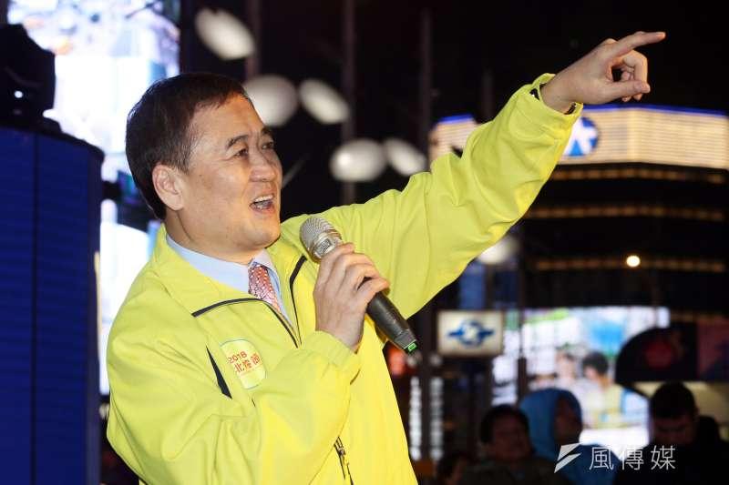 20180223-台北市副市長陳景峻晚間出席「臺北燈節主燈試運轉活動」。(蘇仲泓攝)
