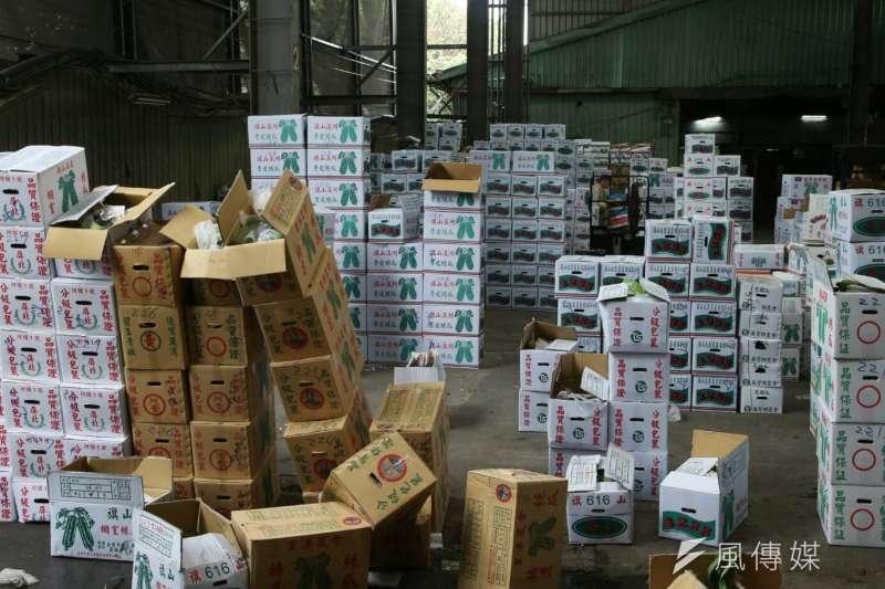 2018-03-08-第一果菜批發市場即景。台北果菜批發市場。來自旗山的絲瓜。農產。農獲。(陳明仁攝)