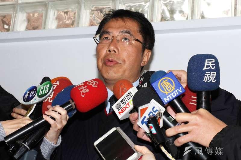 民進黨台南市長黨內初選由黃偉哲勝出。圖為黃偉哲在知道結果後,於立院受訪。(資料照片,蘇仲泓攝)