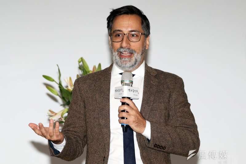 卡內基國際事務倫理委員會高級研究員亞歷山大・戈爾拉赫(Alexander Görlach)認為,網路社會的來臨,讓政治認同成為重要的議題。(蘇仲泓攝)