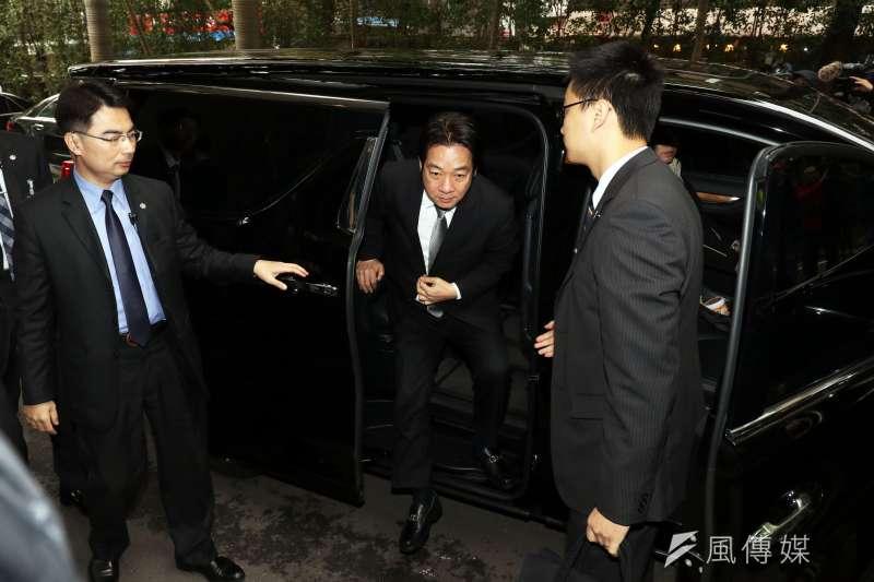 行政院長賴清德座車,被發現已改為Toyota ALPHARD廂型車。(蘇仲泓攝)