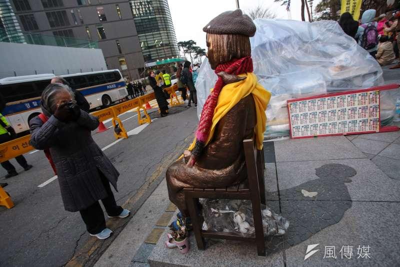 20180309-慰安婦專題,韓國首爾,第15屆日軍性奴隸問題亞洲團結會議後,遊行至日本大使館和平少女像前集會。(顏麟宇攝)