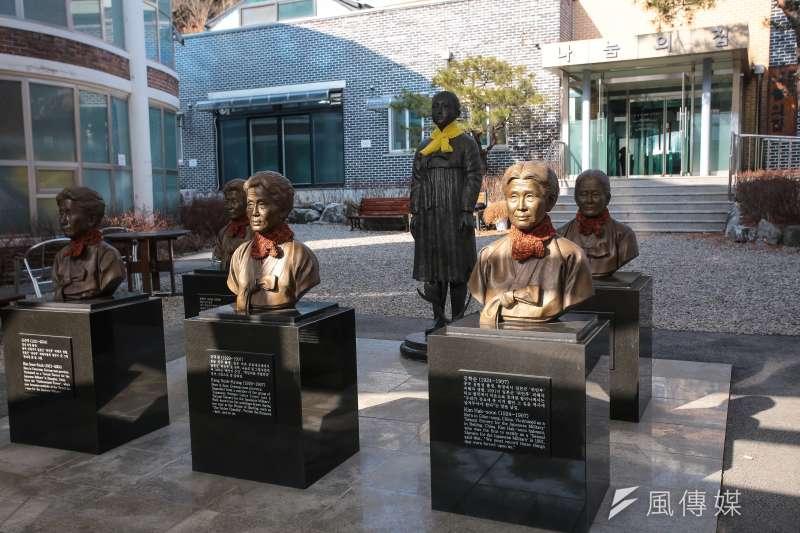 20180310-慰安婦專題,韓國京畿道廣州市,分享之家慰安婦阿嬤銅像。(顏麟宇攝)