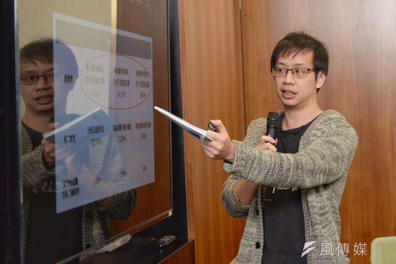 台權會18日召開「2018台灣網路透明報告成果發表」記者會。圖為台灣網路透明報告專案經理何明諠。(甘岱民攝)