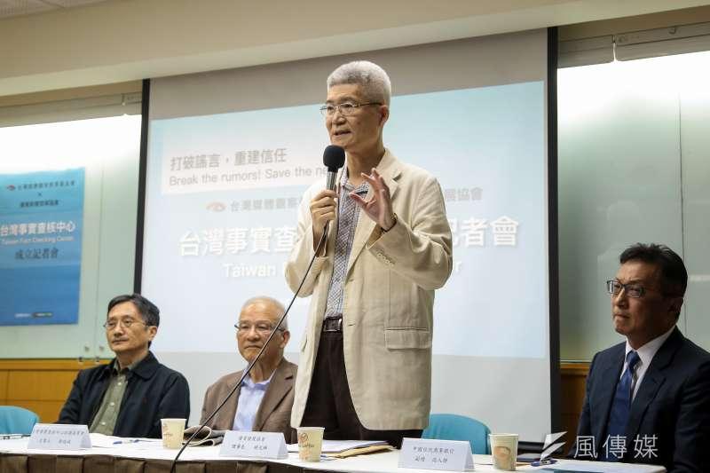 20180419-優質新聞發展協會理事長胡元輝19日出席台灣事實查核中心成立記者會。(顏麟宇攝)